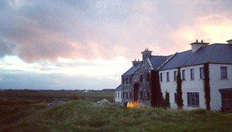{Travel} American Girl in Doonbeg, Ireland