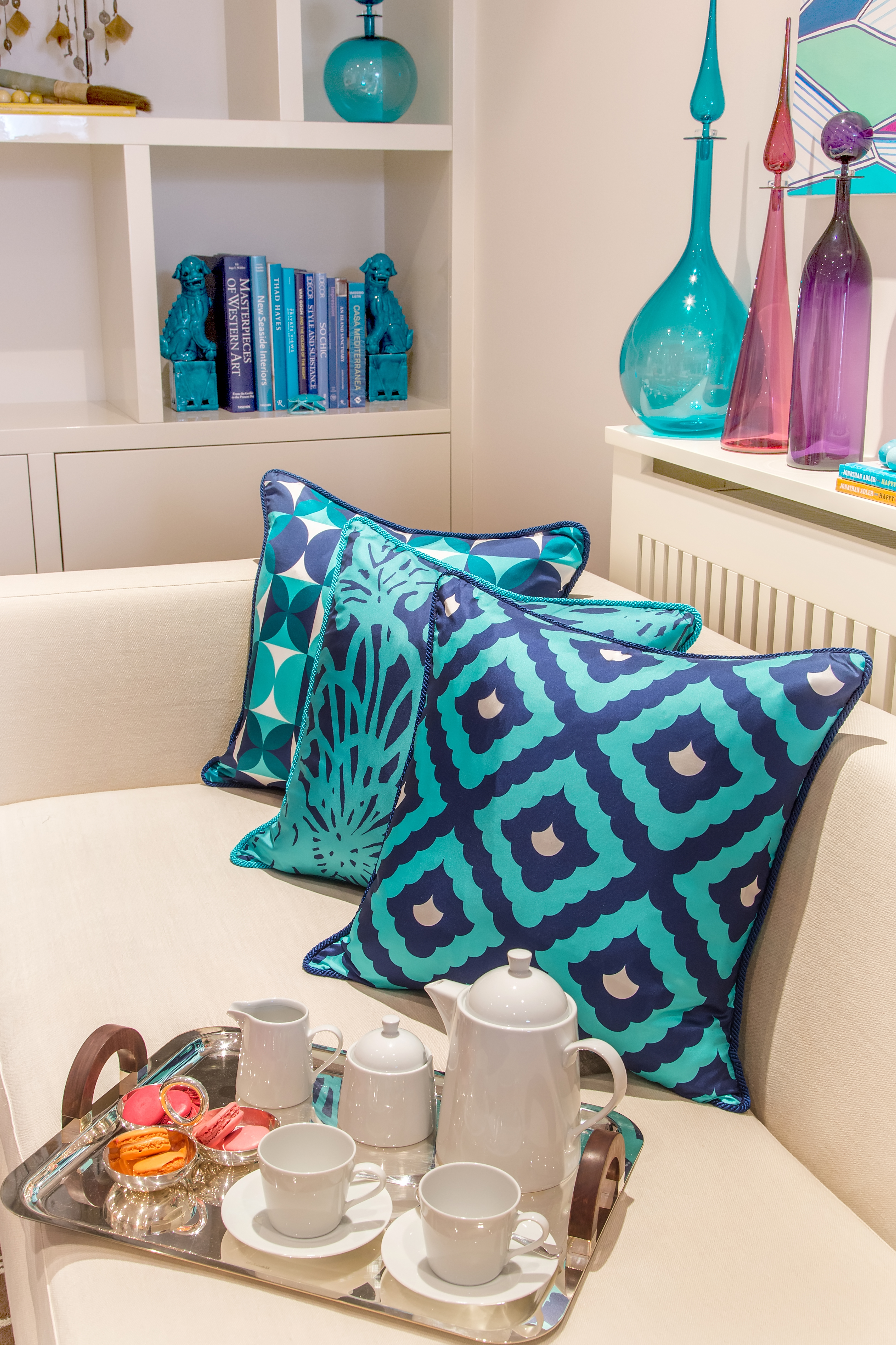 Shopping interiors omg i want all of these cushions for Alexandra decoration