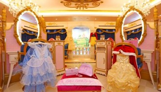 {Mummy & Me} A Mini-Princess Make-Over at The Bibbidi Bobbidi Boutique